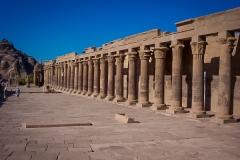 071.Columns at Philae