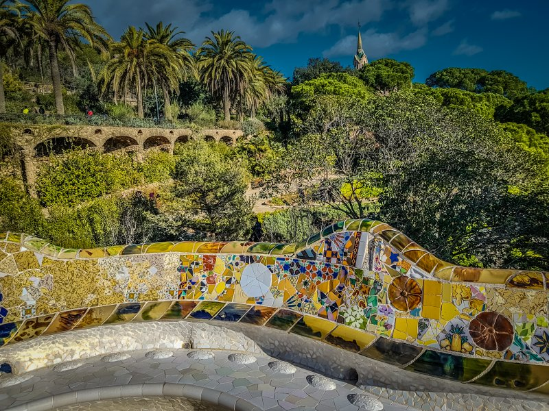 curving seat gaudi park guell